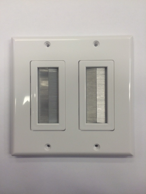 photo of Brush Dual Wall Plate White